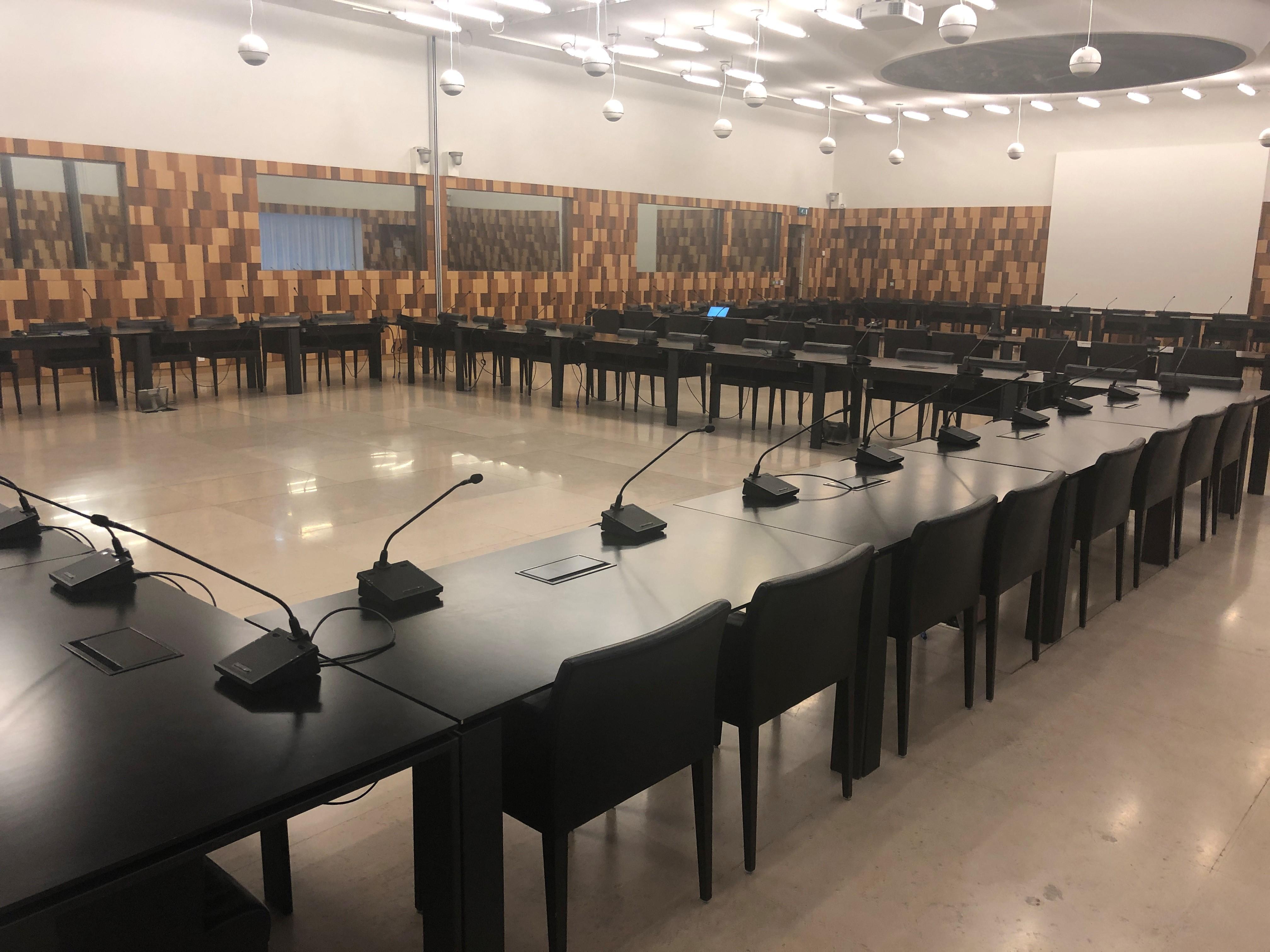salle du conseil postes de conférence