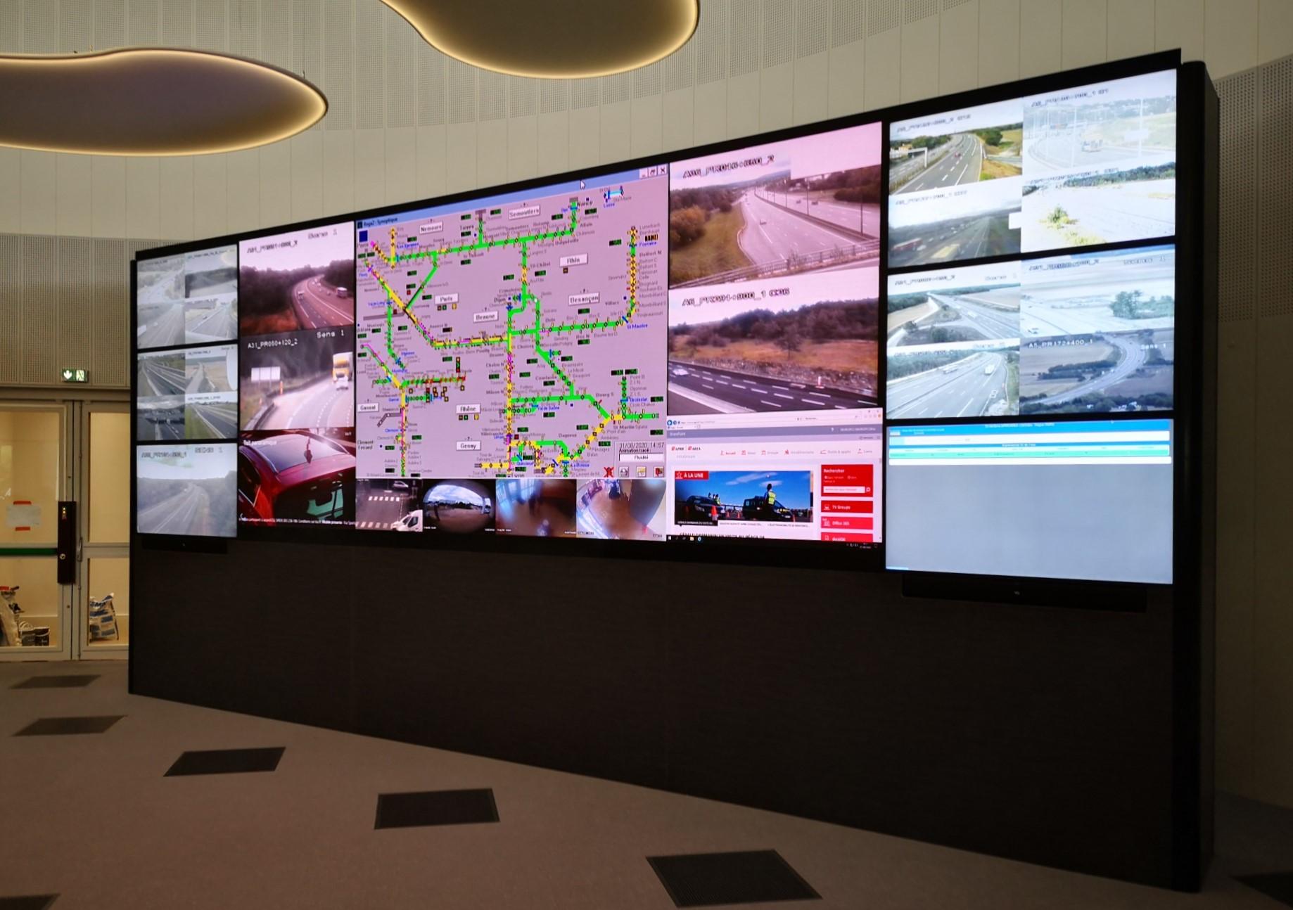 mur d'images LED salle de contrôle